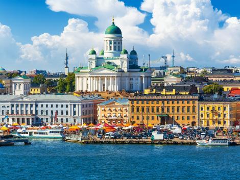 ヘルシンキ:大聖堂と街並み