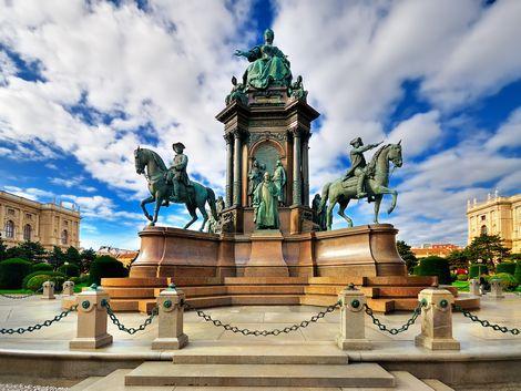 ウィーン:女帝マリア・テレジアの像