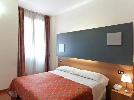 ローマ:ホテル サン レモ 客室一例