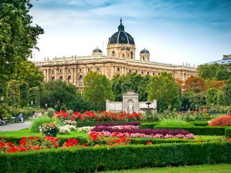 ウィーン:市民庭園(フォルクスガルテン)