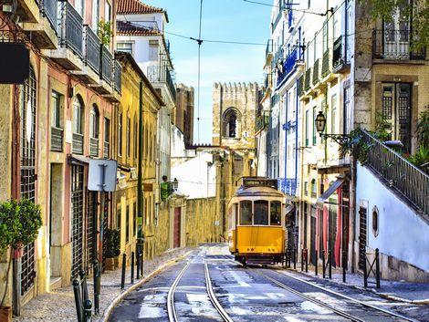 リスボン:トラムと街並み