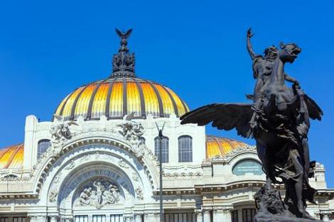 メシキコシティ:ベジャス アルテス宮殿