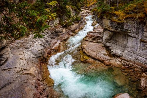 ジャスパー国立公園のマライン川