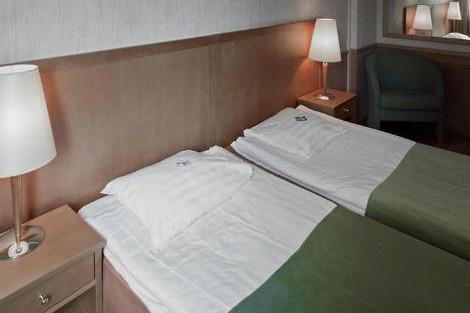 ロバニエミ スカイ オウナスバーラ 客室一例