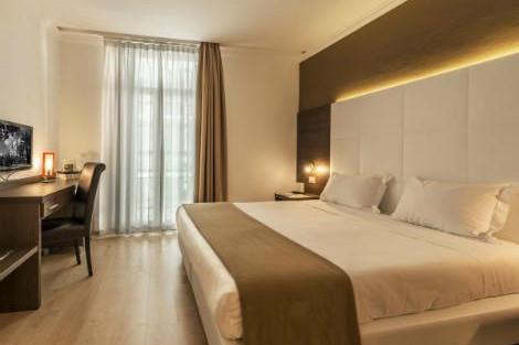 モナコ:ホテル アンバサダー モナコ 客室一例