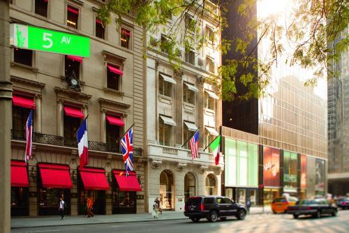 ニューヨーク 5番街街並み(イメージ)ⒸPhotos courtesy of The Ritz-Carlton New York, Central Park