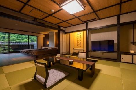 作並温泉:鷹泉閣 岩松旅館 半露天風呂付き客室一例