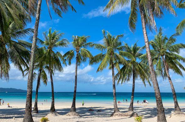 beach at boracay philippines
