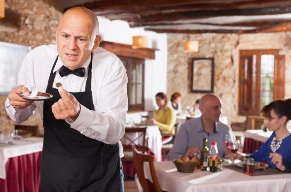 イタリア チップ いくら?