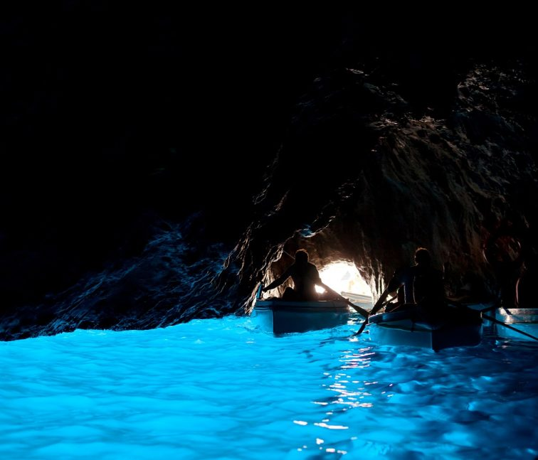 から 洞窟 の ここ まで 青 【石垣島】青の洞窟の場所と行き方!