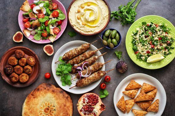 ドバイ料理&グルメってどんな味?アラブ料理の前菜からデザートまで紹介!