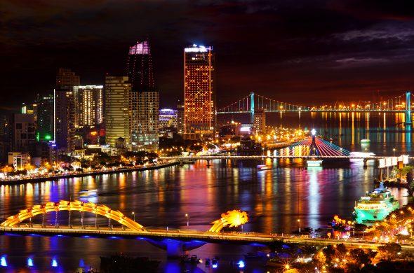 これぞ夜のベトナム「ダナン」!高層階から絶景を見渡すルーフトップバーを満喫しよう!