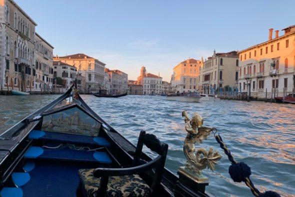 寒さ対策にひと工夫をして、ベネチア&ローマへ女子旅! 念願のゴンドラ乗船!イタリア年越し旅行へ