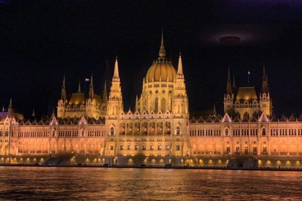 卒業旅行は美しい街 ハンガリー「ブダペスト」へ!世界遺産と温泉とグルメを堪能