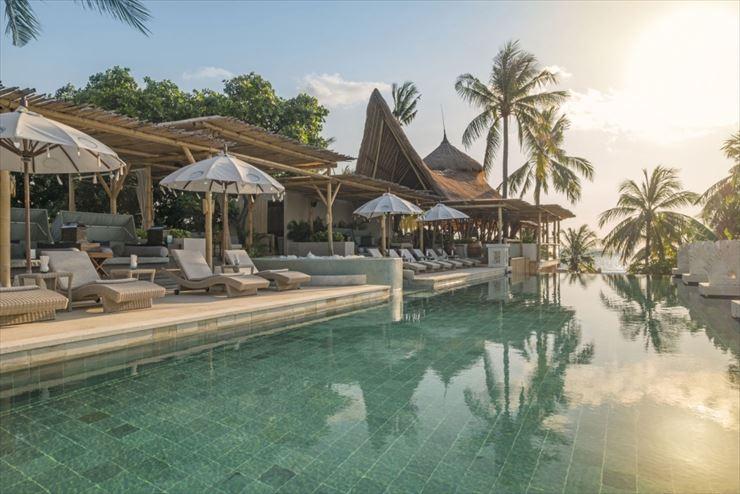 バリ マンディラ ビーチリゾート&スパのプール