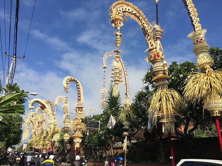 ガルンガン祭りはヒンドゥー教の儀式の中でも大きな宗教行事