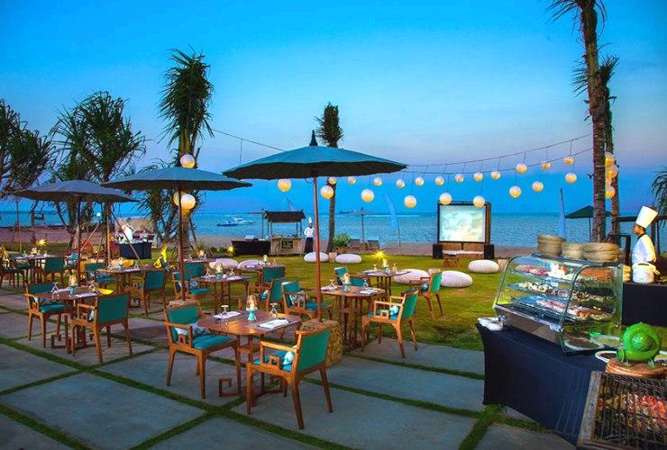 サラダブティック 海沿いのレストラン