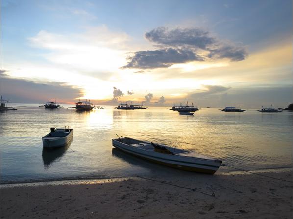 『マラパスクア島』の夕焼け