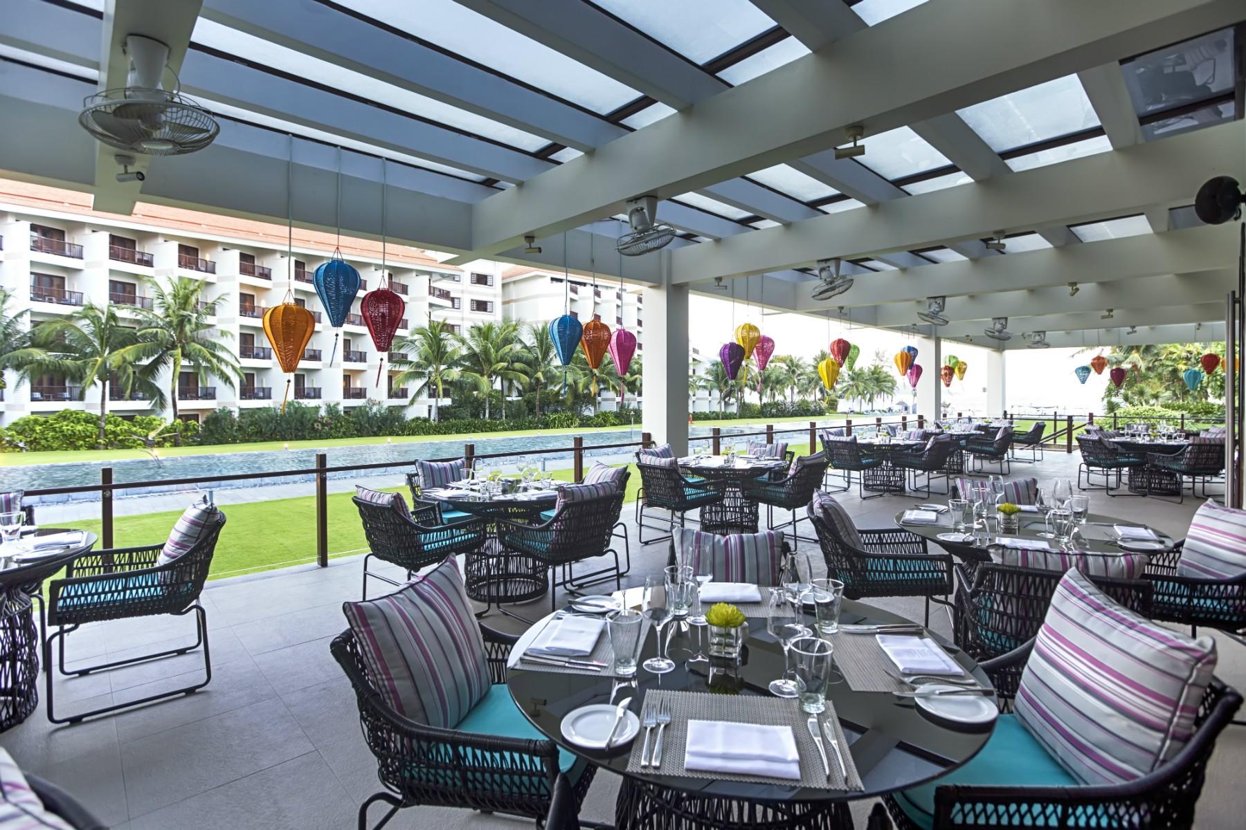プルマンダナンのレストラン「エピス」のテラス席