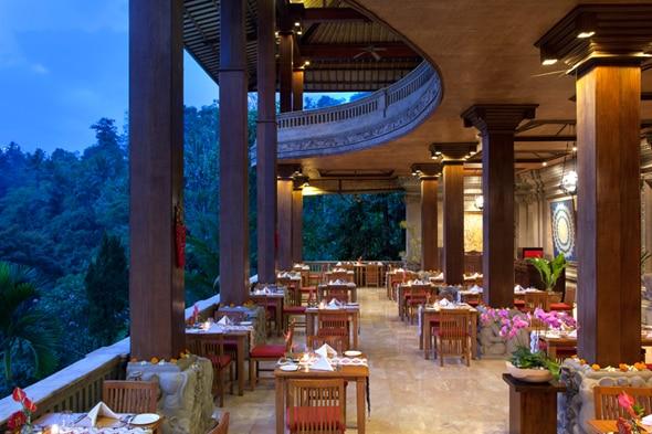 ロイヤル ピタ マハのレストラン