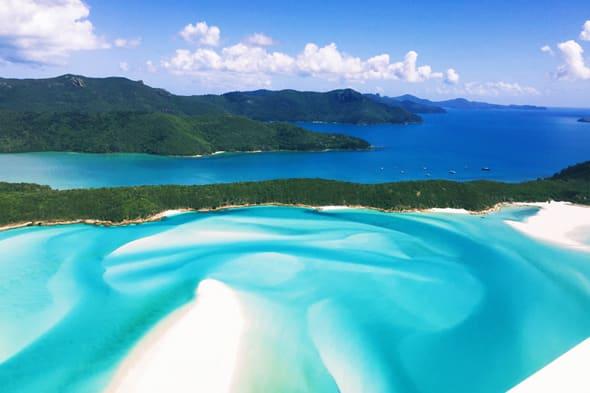 天国のような美しさの「ホワイトヘブン・ビーチ」