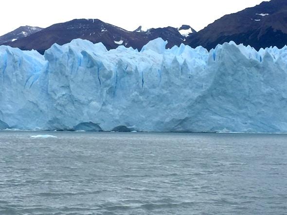 ペリト・モレノ氷河へ接近