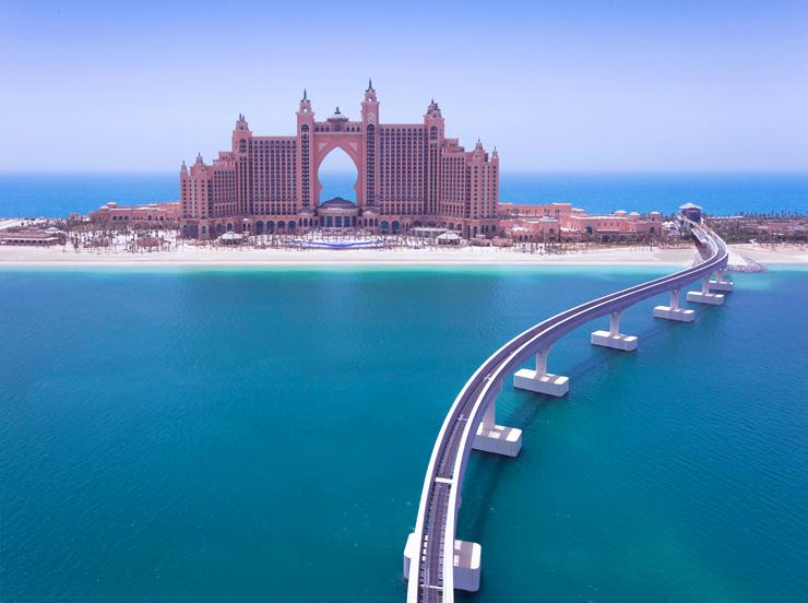 究極のビーチリゾート「ドバイ」へ!!スケール外のホテル滞在をお手頃に楽しむ夢のようなツアーのご案内!