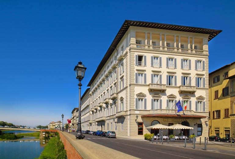 フィレンツェに多数ある5つ星ホテルで迷ったらココ!★ミシュランの星付きレストラン併設「ザ セントレジス フローレンス」