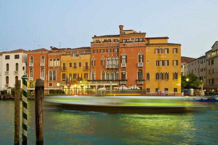 ベネチア ホテル プリチンペ