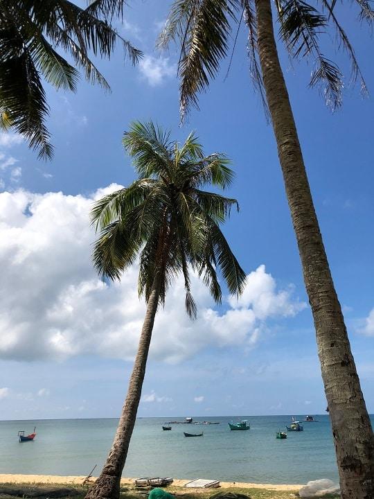 フーコックの砂浜