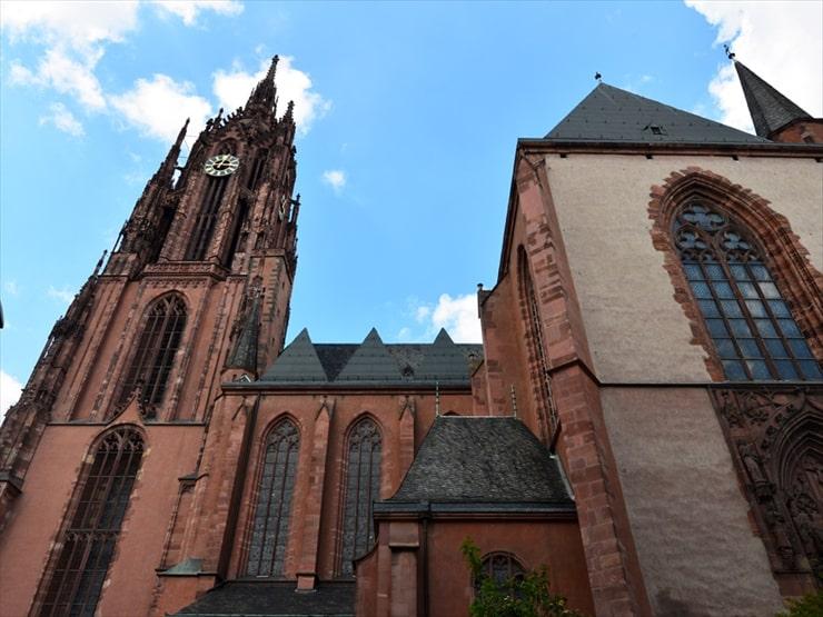 1562年から1792年にかけて皇帝の戴冠式が行われてた由緒ある大聖堂。