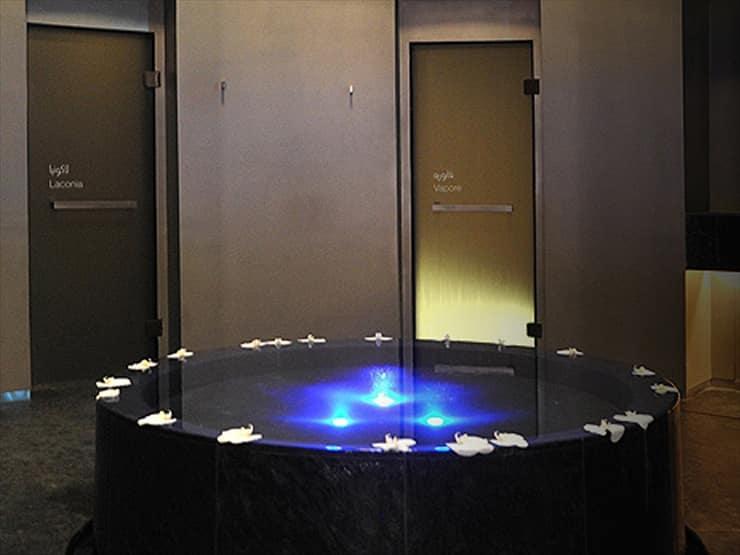 アルマーニ・ホテル・ドバイ/スパでは、カウンセリングの後にその日の体調や改善したい内容を分析して、専門スタッフがメニューを提案してくれる。