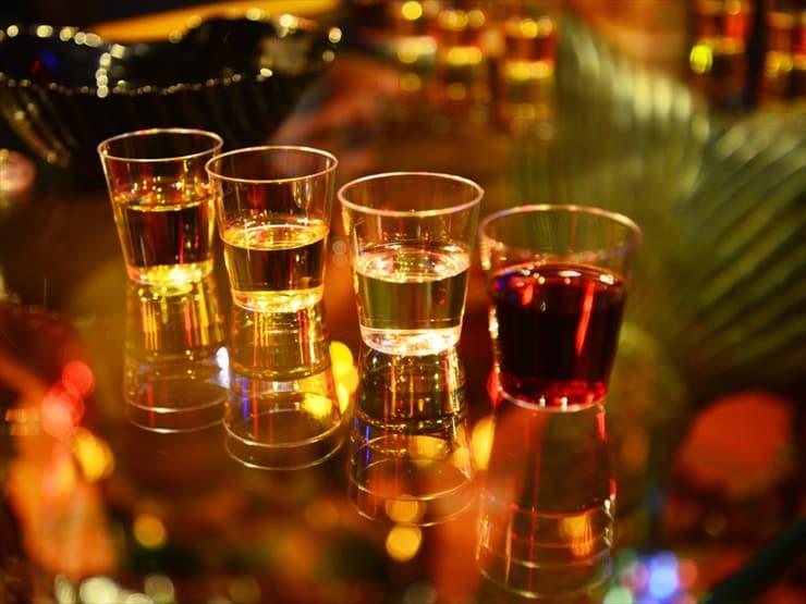 オプショナルツアー中、希望者はワインの試飲も可能。