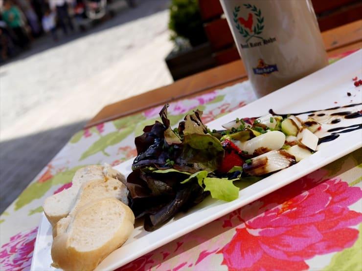 ゲオルクヌッシュズ・シュマンケアルキュ/春から初夏までしか食すことができない白アスパラガスを使った料理は、この時期に訪れたら一度は試してみたいもの。