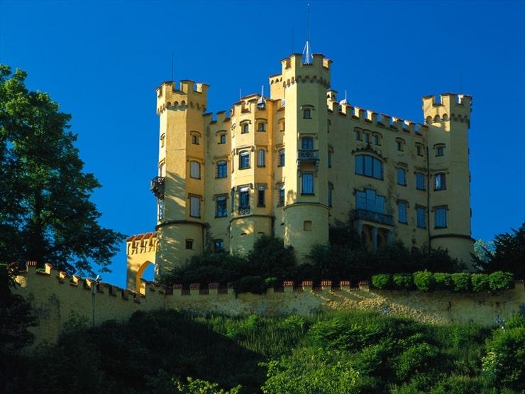 ロマン派の影響を受けたとされるホーエンシュバンガウ城。