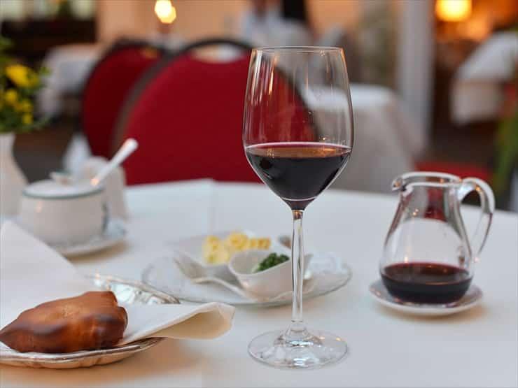 ホテル アイゼンフート/地元のワインが楽しめる併設のレストラン