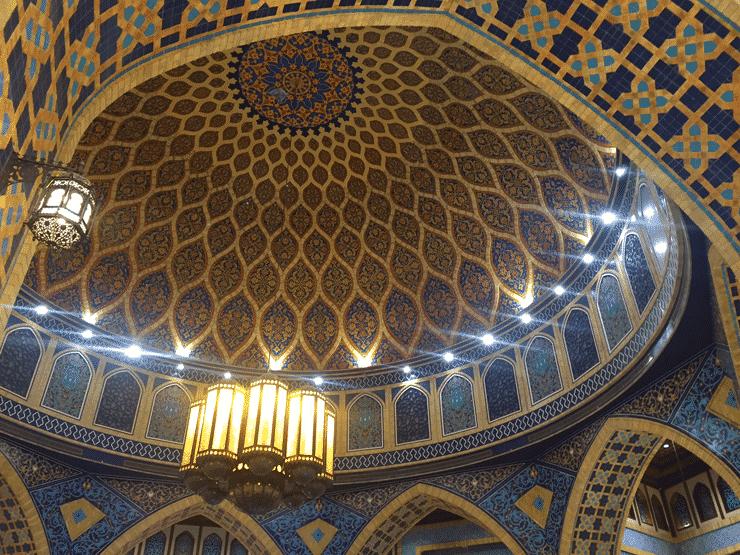 礼拝堂の天井のような美しさ