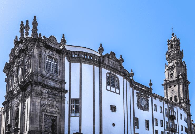 「クレリゴス教会」と「クレリゴスの塔」