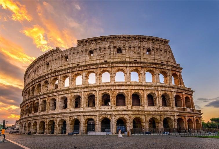 ローマのシンボルともいえる世界遺産コロッセオ
