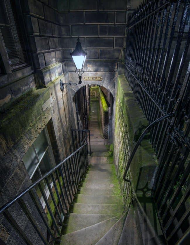 幽霊が出るとしてもかなり有名な地下都市「ブレア・ストリート・ヴォールト」へ