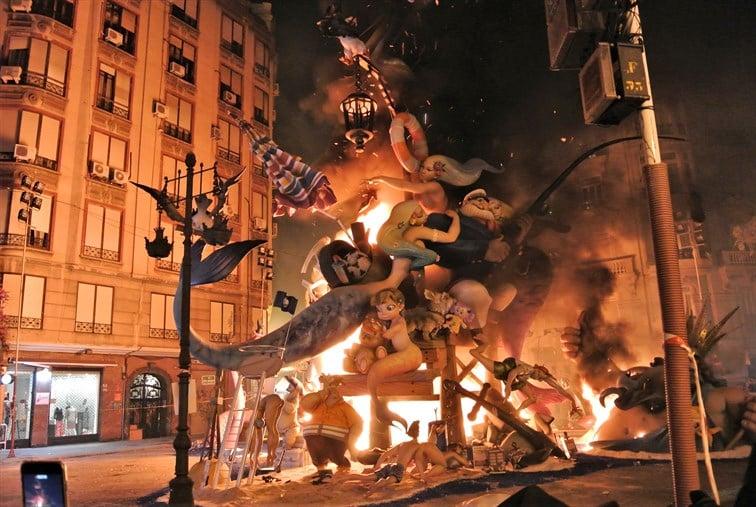 聖ホセの日はバレンシアの火祭りの最終日