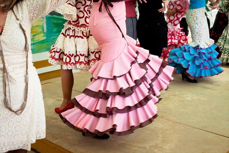 お祭りではセビジャーナスという民族舞踊を踊る