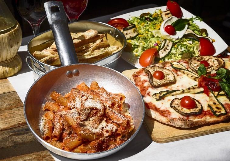 目にも美味しいイタリア料理の数々