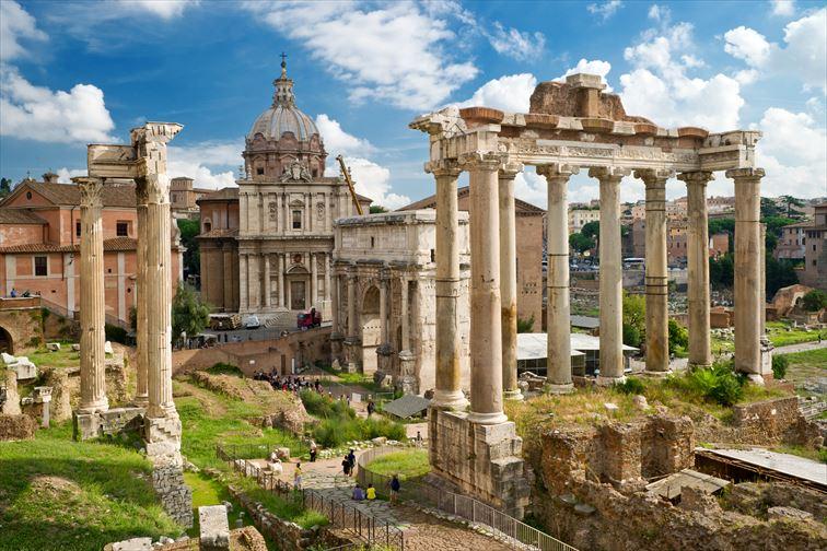 古代ローマ文明の繁栄を感じるフォロ・ロマーノ
