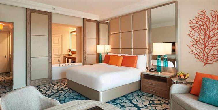 ドバイで豪華なホテル体験を