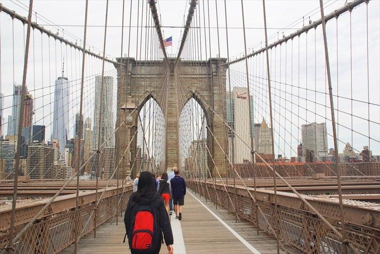 ぜひお天気のいい日に橋を歩いて渡ってみませんか?