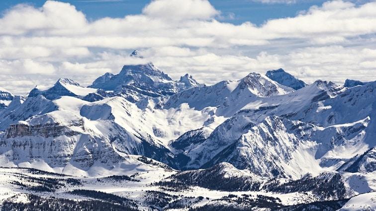 バンフの南、スキーリゾートとしても有名なアシニボイン山/イメージ