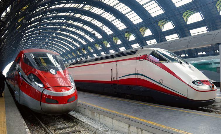 特急電車フレッチャは、フレッチャロッサ、フレッチャルジェント、フレッチャビアンカの3種類がある