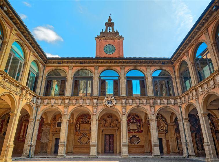荘厳な雰囲気の旧ボローニャ大学