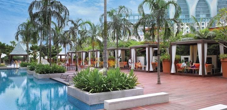 セントーサ島のフェスティブホテルのプール